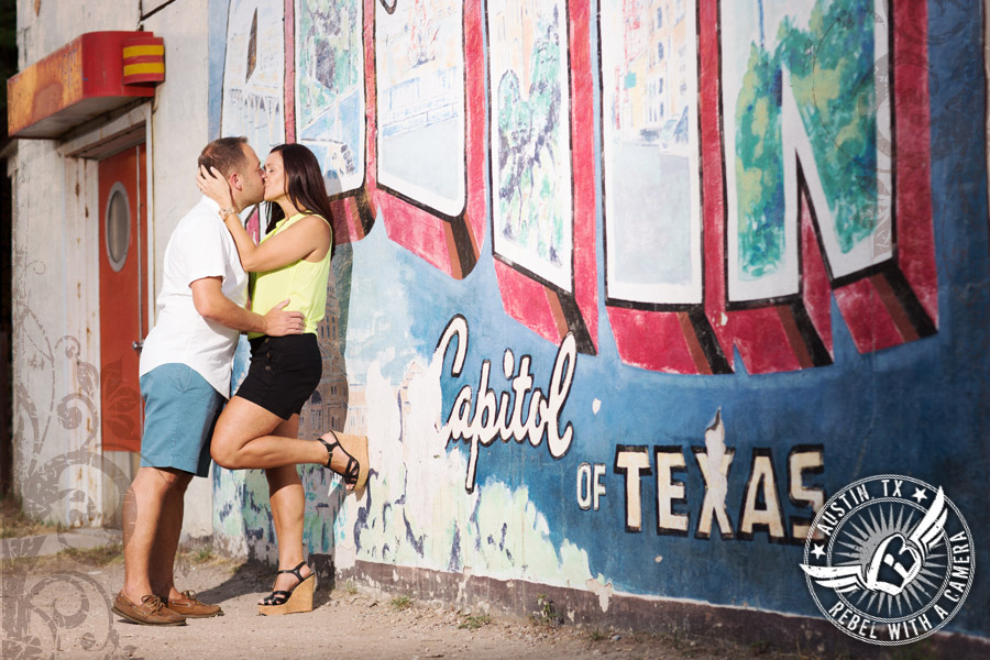 engagement pictures at the texas capitol in austin