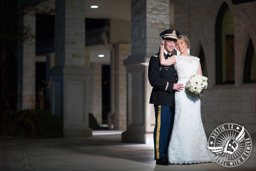 beautiful wedding photos at the doubletree hotel austin
