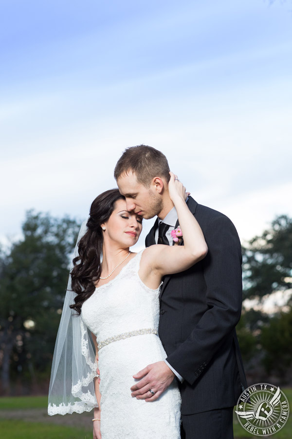Austin wedding photographer at Kindred Oaks