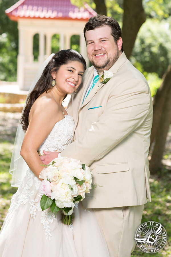 Austin Wedding Pictures at Zilker Botanical Gardens