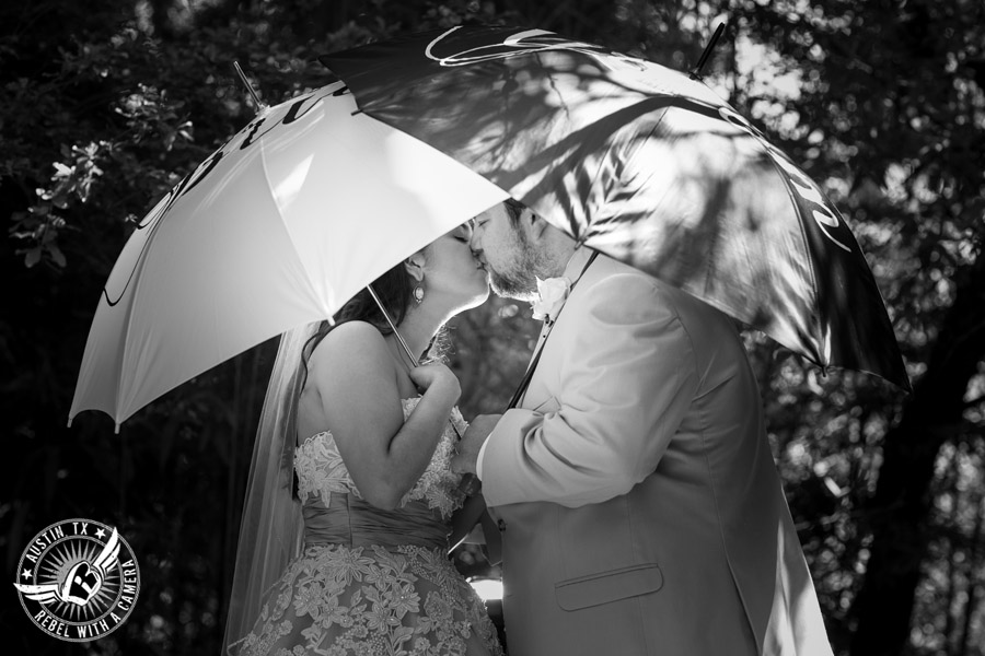"Austin Wedding Pictures at Zilker Botanical Gardens"" src=""http://www.rebelwithacamera.com/wp-content/uploads/2015/09/austin-wedding-pictures-at-zilker-botanical-gardens-1.jpg"" alt=""Austin Wedding Pictures at Zilker Botanical Gardens"