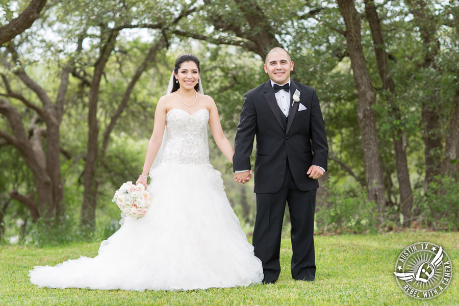Pictures of a beautiful wedding at Gabriel Springs in Georgetown, Texas