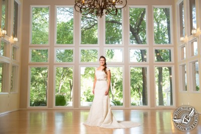 Lovely bridal portraits at Casa Blanca on Brushy Creek
