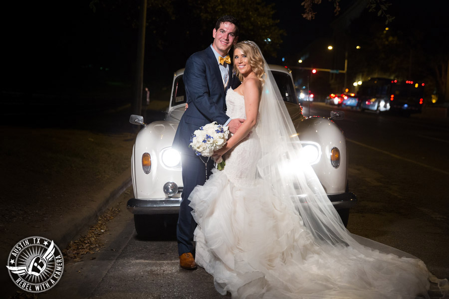 Glamorous wedding pictures at the Driskill Hotel in Austin, Texas