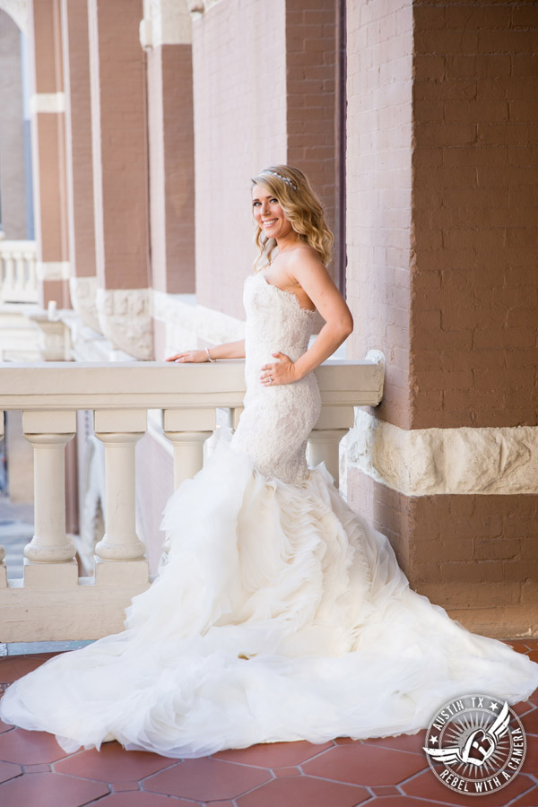 Bridal pictures on Driskill balcony