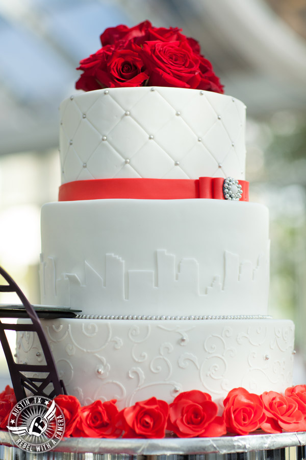 Taylor Mansion wedding photo travel bride's cake with red roses by Sweet Life of Cakes