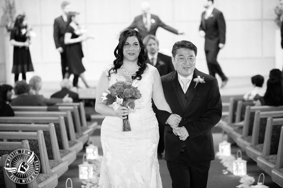 Austin Wedding Photos at Unity Church of the Hills wedding ceremony