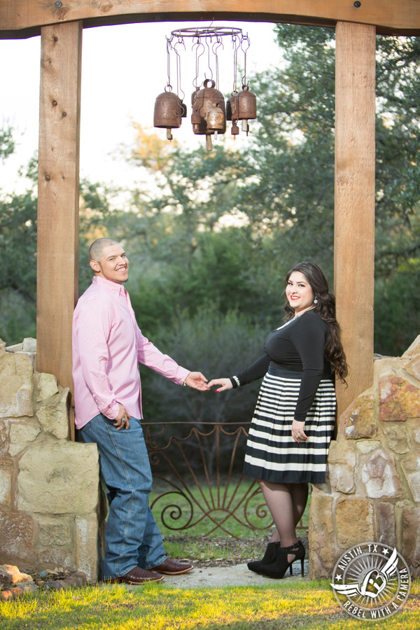 engagement-portraits-at-kindred-oaks-10