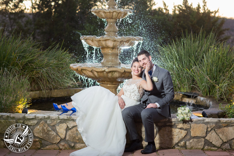 Beautiful wedding pictures on Lake Travis
