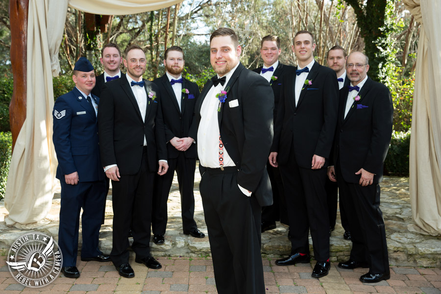 Lake Travis wedding pictures in Austin, Texas - groom and groomsmen with boutonnieres from Visual Lyrics