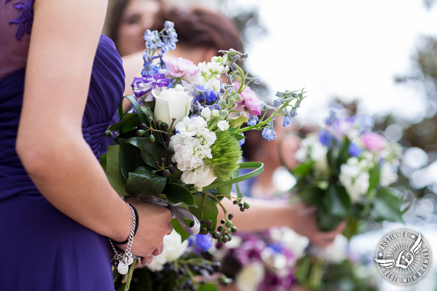 Lake Travis wedding pictures in Austin, Texas - Nature's Point bride's - flowers by Visual Lyrics