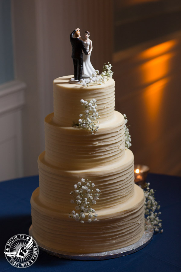 Winter wedding photos at the Texas Federation of Women's Clubs Mansion - wedding cake by Sugar Mama's Bakeshop at the wedding reception in the ballroom