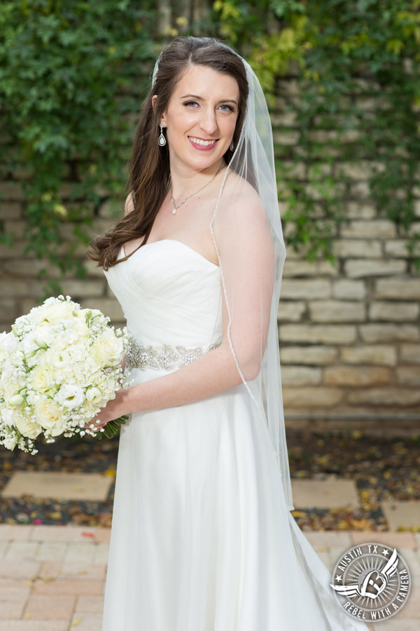 Winter Wedding Photos at the Texas Federation of Women's Clubs Mansion - bouquet by Verbena Floral Design