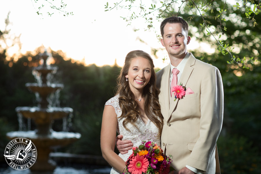 colorful-wedding-photos-at-natures-point-on-lake-travis-1