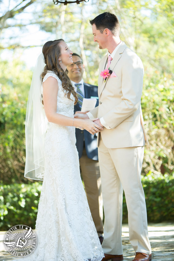 colorful-wedding-photos-at-natures-point-on-lake-travis-39