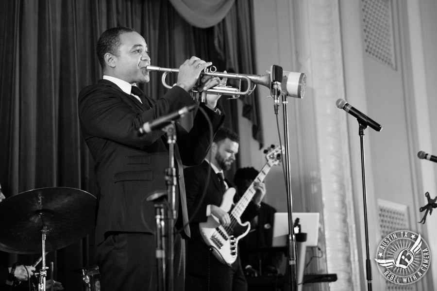 Fun wedding pictures at the Texas Federation of Women's Clubs Mansion - wedding reception band - David Young Presents - The Austin NINES band