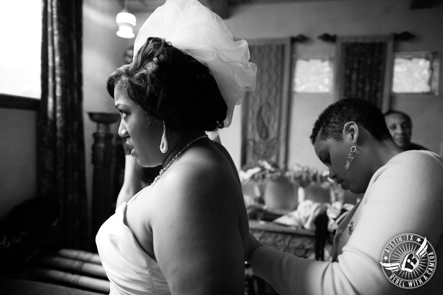 Pictures of bride getting ready in the bride's room at Chapel Dulcinea in Driftwood, TX