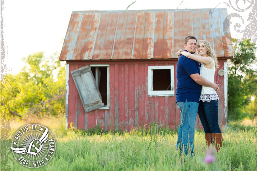 fun-rustic-engagement-session (7)