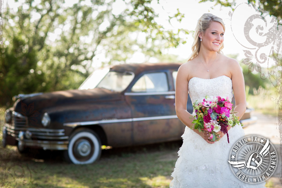 gorgeous-rustic-wedding-pictures-at-vista-west-ranch (15)