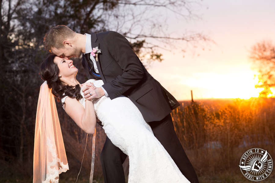 austin-wedding-photographer-at-kindred-oaks (10)