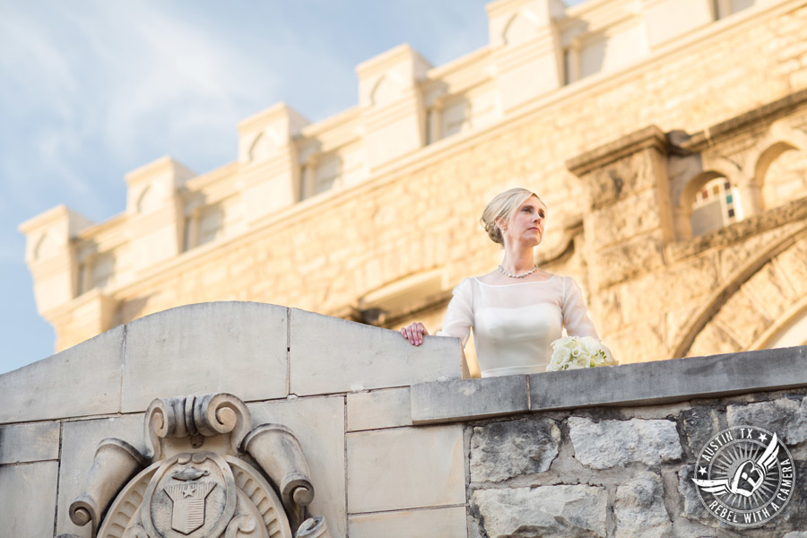 elegant-bridal-portrait-at-chateau-bellevue-in-austin-texas (10)