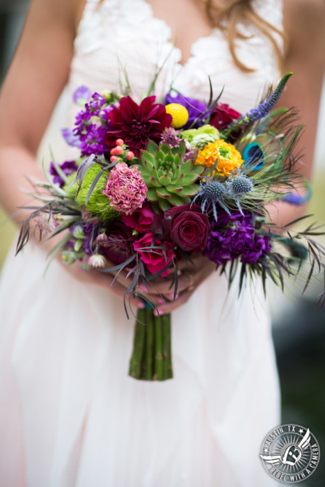 whimsical-austin-wedding-pictures-at-mayfield-park (5)