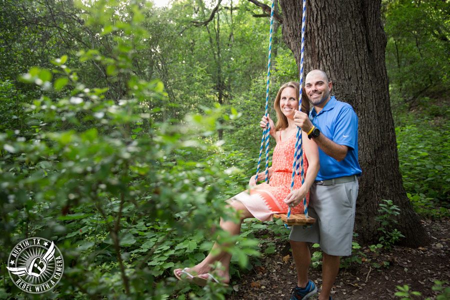 outdoor-engagement-portraits-in-austin (3)