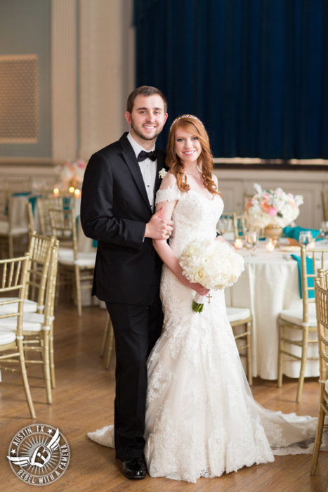 elegant-wedding-pictures-at-texas-federation-of-womens-clubs-mansion-in-austin-texas (7)