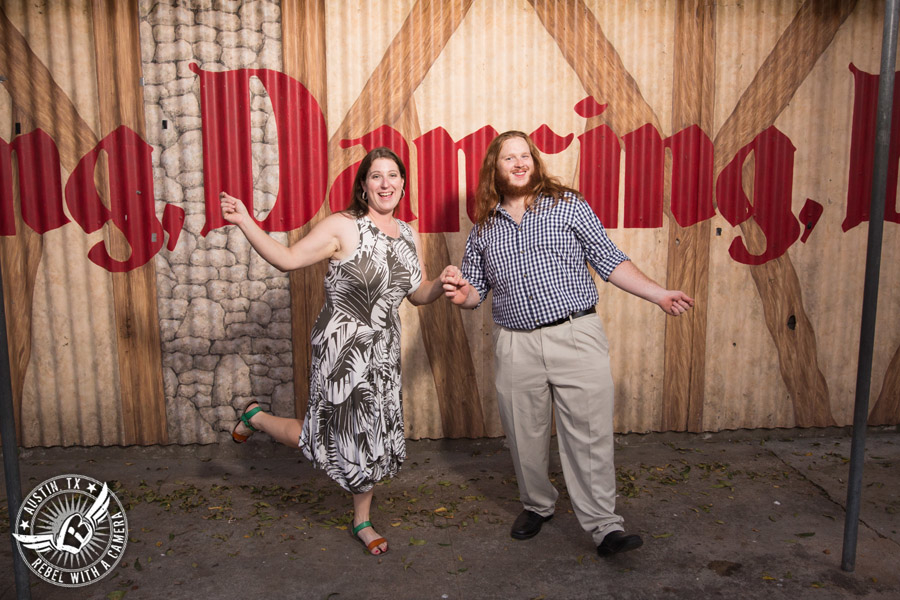saengerrunde-hall-engagement-pictures-in-austin (10)