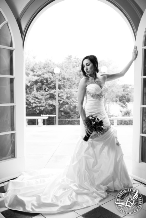 dramatic-laguna-gloria-bridal-portraits (5)