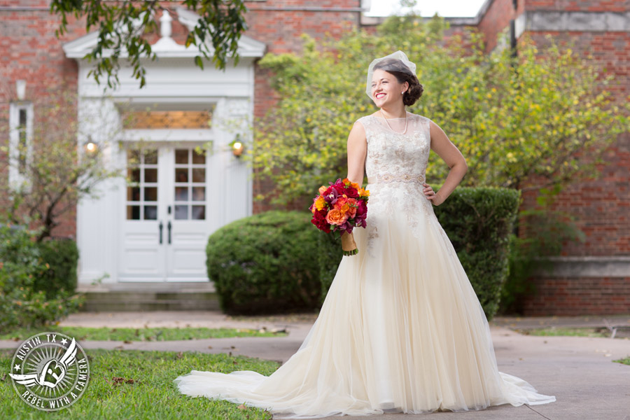 wedding-photos-at-the-texas-federation-of-womens-clubs-headquarters (15)