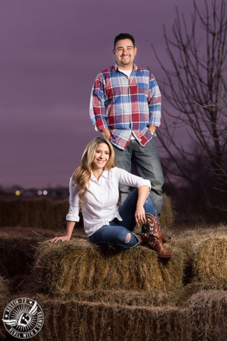 rustic-round-rock-engagement-portraits (2)